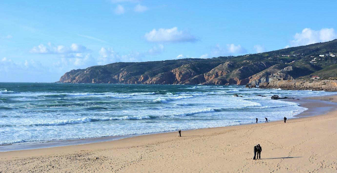 lisbonne baln aire les plus belles plages autour de la capitale portugaise. Black Bedroom Furniture Sets. Home Design Ideas
